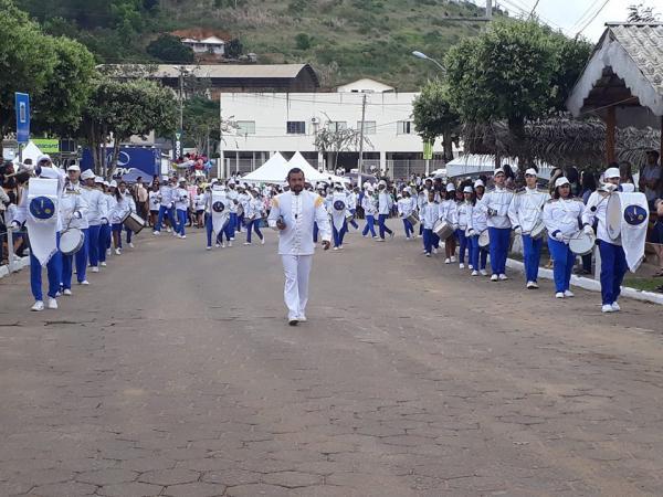 Fotos: Desfile cívico celebra os 39 anos de emancipação de Rio Bananal