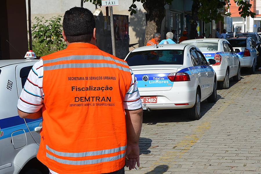Taxistas de Linhares são convocados para vistoria anual de verificação de taxímetro