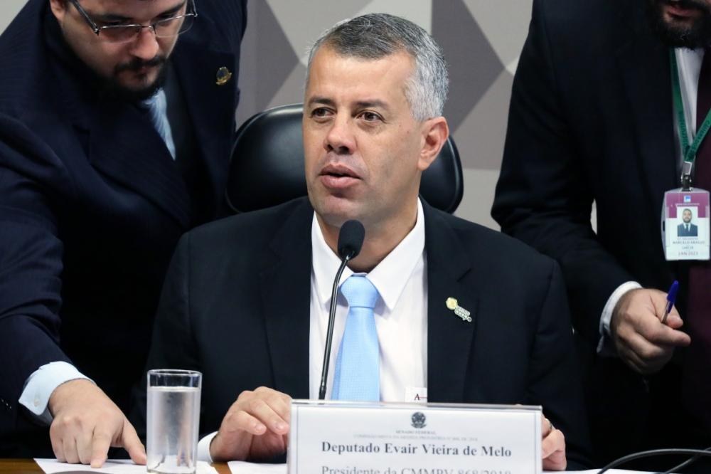 Deputado Federal Evair de Melo (PP-ES) esteve na votação e afirmou que um grande passo foi dado para que o Brasil
