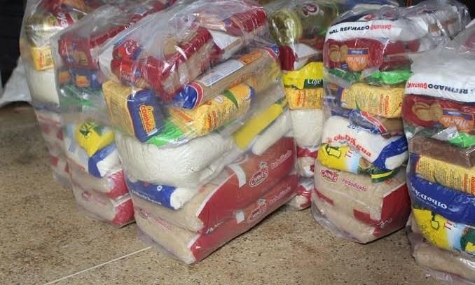 Entrega de cestas básicas a alunos da Rede Estadual estão mantidas em junho
