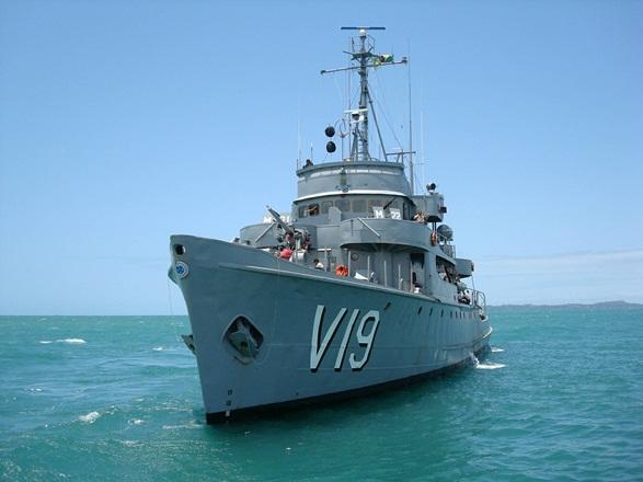 Navio da Marinha aberto para visitação no porto de Vitória