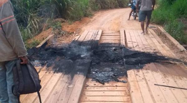 Ato de vandalismo destrói ponte recém-recuperada em Humaitá, Linhares