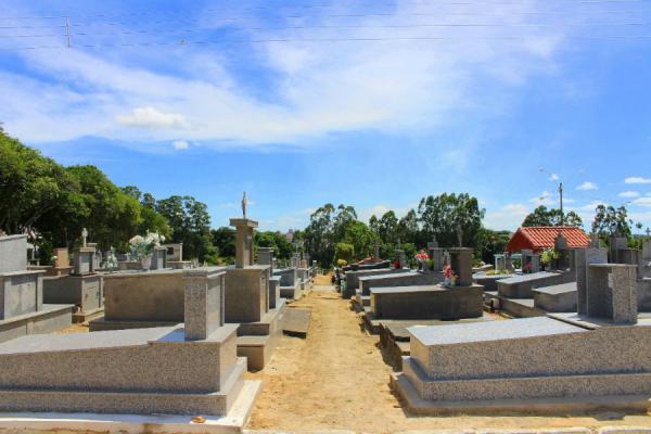 Cemitérios de Linhares estão prontos para receber mais de 10 mil pessoas no Dia de Finados