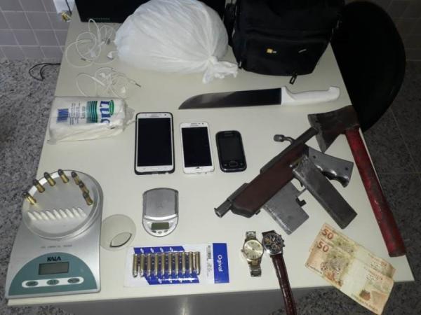 Polícia Militar prende traficantes em Pedro Canário