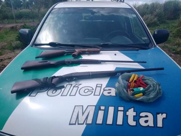 PM apreende armas, munições e carvão vegetal em São Mateus
