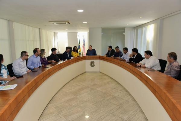 Governador define pautas federais em reunião com bancada capixaba