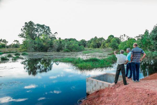 Prefeitura de Linhares entrega a primeira barragem de Baixo Quartel a produtores rurais
