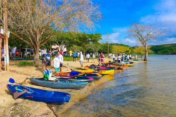 Mais de 60 remadores participam da Volta na Ilha do Imperador
