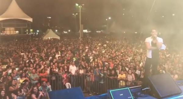 Show do cantor ISRAEL NOVAES no aniversário da cidade de Rio Bananal.